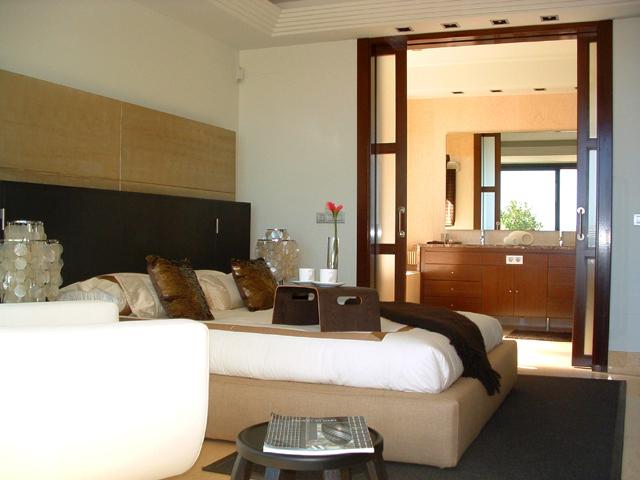 Apartamentos modernos lujo para comprar nueva andalucia for Aptos modernos
