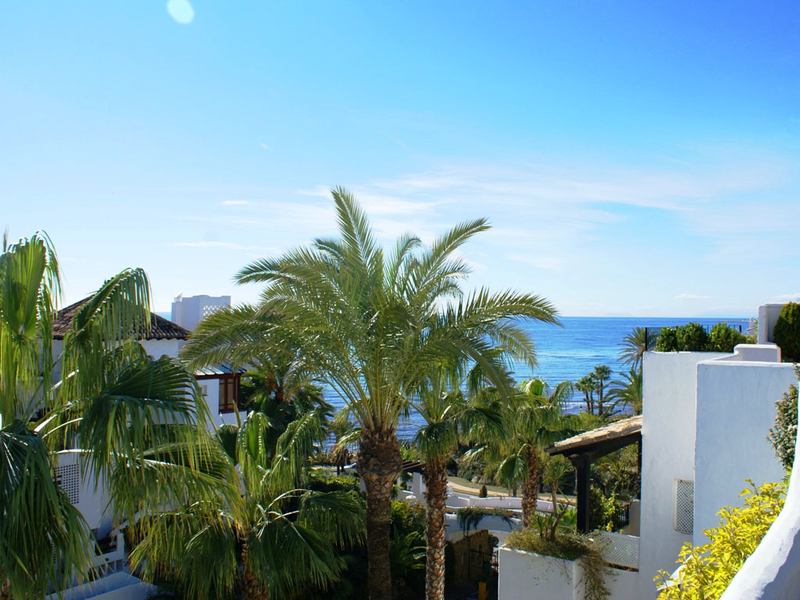 Baños Romanos De Manilva:Atico apartamento en venta en Marina Puente Romano – Marbella