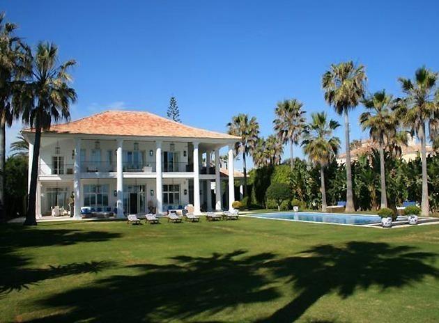 Villa de lujo en venta primera linea de mar marbella - Casa de lujo en marbella ...