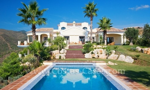 Exclusiva villa en venta, en Resort de Golf, Marbella - Benahavis