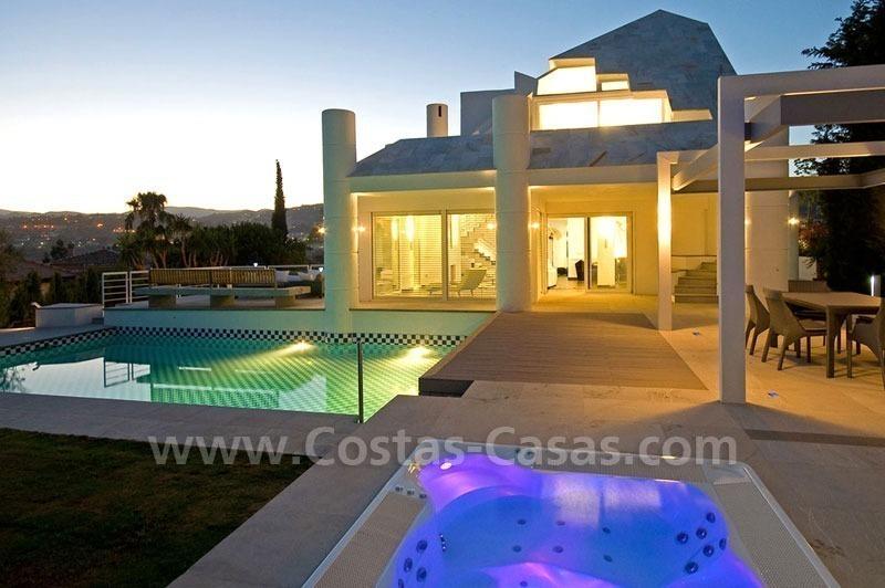 Villa moderna primera l nea golf a la venta nueva - La sala nueva andalucia ...