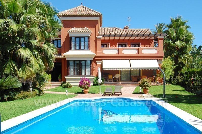 Villa espa ol moderno a la venta este marbella cerca mar playa for Casas estilo moderno
