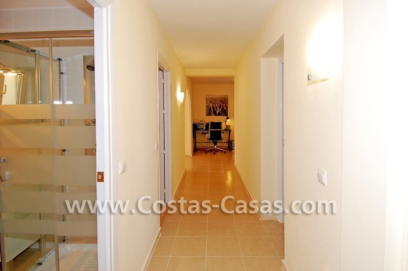 Baños Estilo Andaluz:Ganga! Villa de estilo andaluz a la venta en Marbella 19