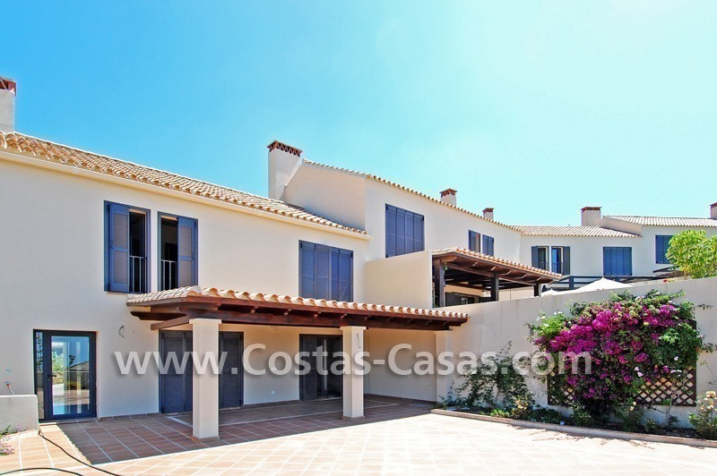 Modernas casas en venta en marbella benahavis en la costa - Casas en la costa del sol ...