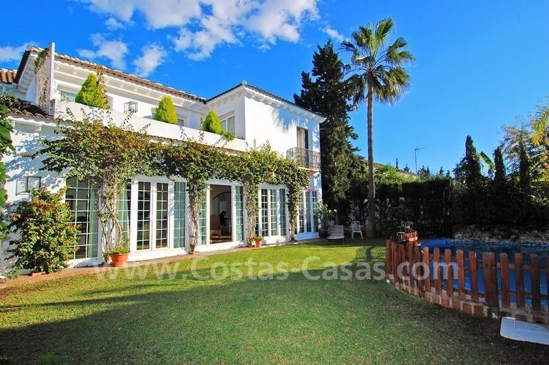 Villa En La Playa A La Venta Milla Oro Marbella Centro