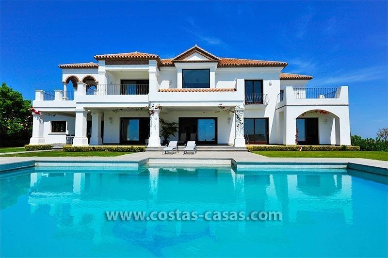 Villa de lujo de estilo moderno andaluz en venta complejo - Casas de lujo en marbella ...