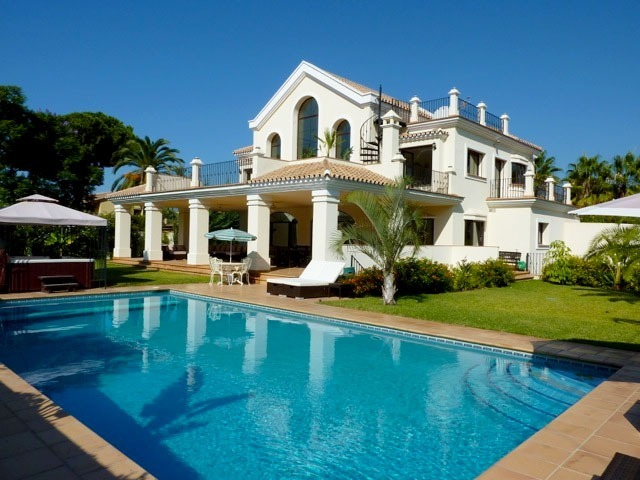 En venta villa grande lujo moderna playa marbella - Casas de lujo en marbella ...