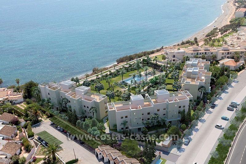 En venta nuevos apartamentos modernos playa estepona for Apartamentos modernos playa