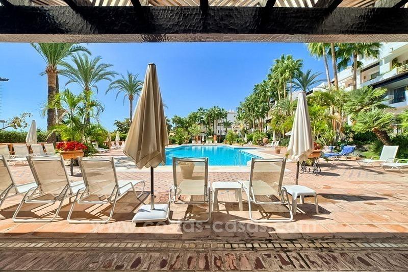 Baños Romanos En Manilva:Apartamento ático en venta en Puente Romano, Milla de Oro, Marbella
