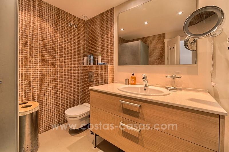 Baños Romanos De Manilva:Apartamento ático en venta en Puente Romano, Milla de Oro, Marbella