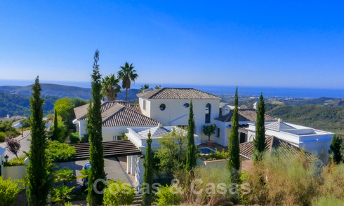 Exclusiva villa en venta, en resort, Marbella - Benahavis 22382